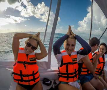 Fun, Professional Guides at the Cancun Whale Shark Tour